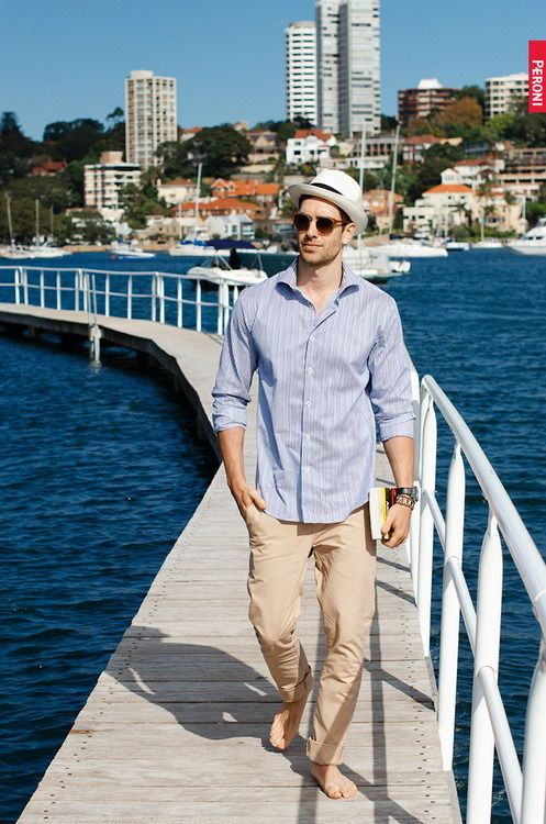 Picture Of Relaxed Yet Stylish Men Vacation Outfits 15