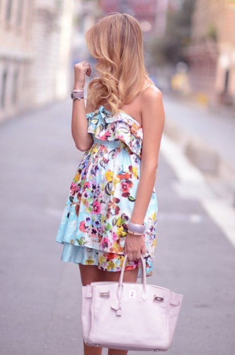 Picture Of romantic and relaxed floral summer dresses  1