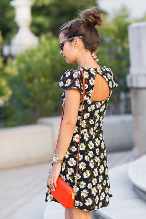 Picture Of romantic and relaxed floral summer dresses  10