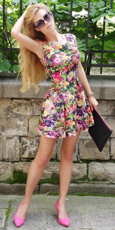 Picture Of romantic and relaxed floral summer dresses  12