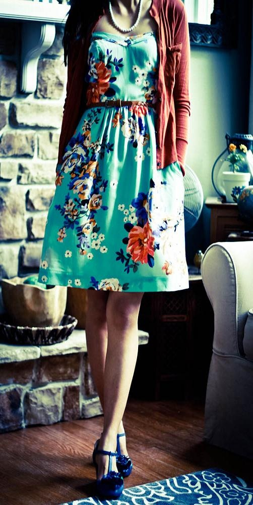 Picture Of romantic and relaxed floral summer dresses  18