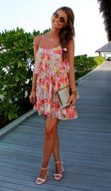 Picture Of romantic and relaxed floral summer dresses  22