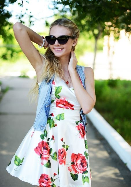 Picture Of romantic and relaxed floral summer dresses  25