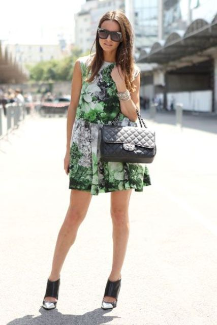 Picture Of romantic and relaxed floral summer dresses  4
