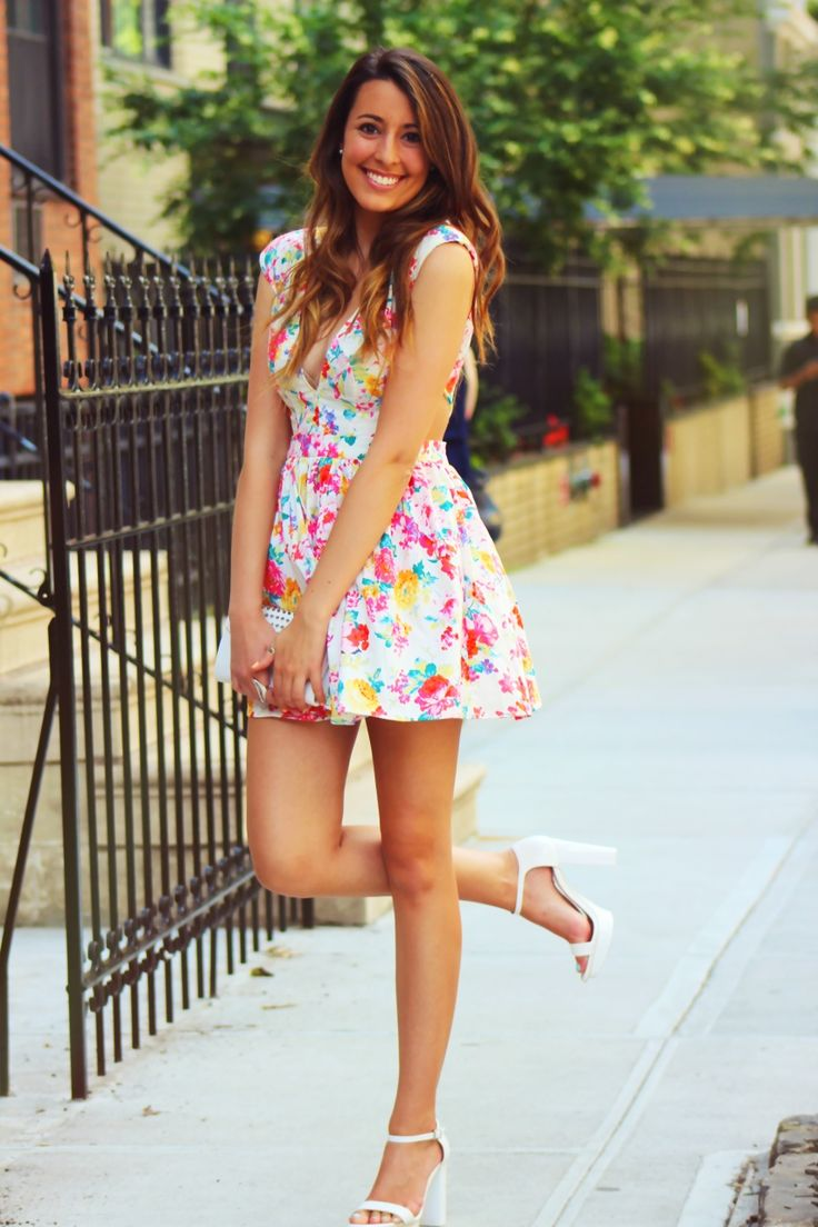 Picture Of romantic and relaxed floral summer dresses  7