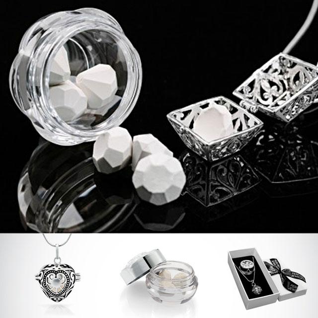 Picture Of romantic perfumed jewelry by renee van veen  1
