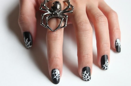 spiderweb nails (via sylandsam)