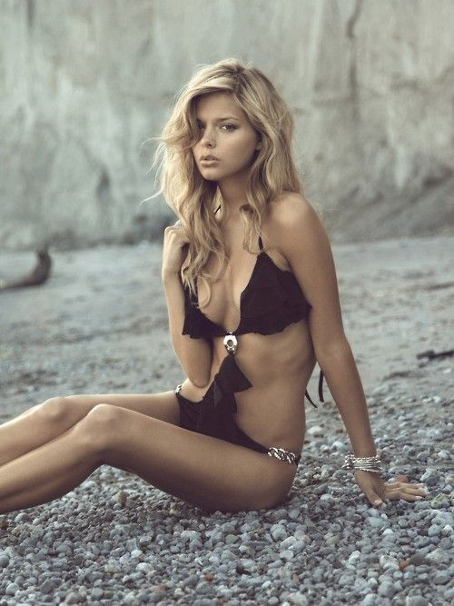 Picture Of sexy cut out swimsuits to get inspired  31