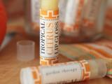 shiny-all-natural-diy-tropical-citrus-lip-gloss-1