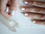 simple-and-pretty-diy-glittery-gold-and-white-manicure-4