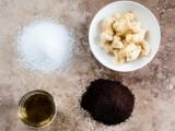 softening-and-moisturizing-diy-foot-soak-scrub-3