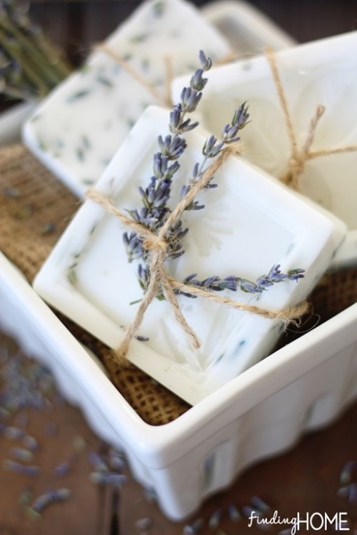 lavender goat milk soap (via findinghomeonline)