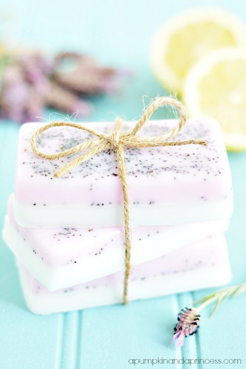lavender lemon soap (via apumpkinandaprincess)