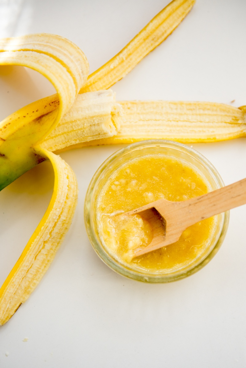 Picture Of soothing and moisturizing diy banana face mask  2