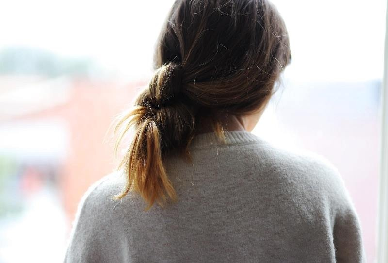 Picture Of sophisticated and casual diy hair knot to make in 5 minutes  2