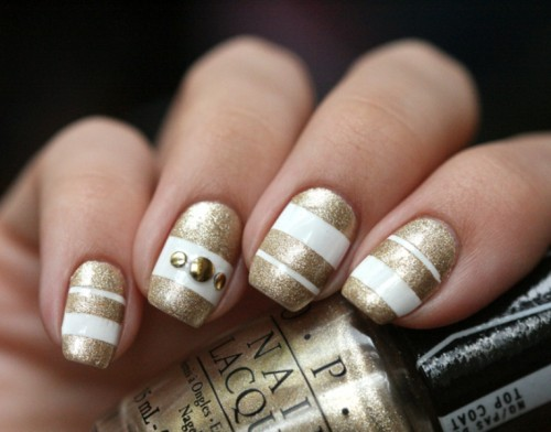 White And Gold Stripes Nail Art