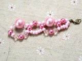 spring-inspired-diy-pink-beads-and-pearls-bracelet-4