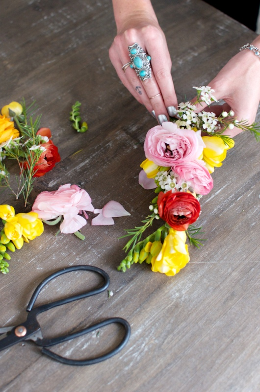 Picture Of spring perfect diy flower headpiece  5
