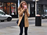 stylish-and-comfy-short-coat-looks-to-rock-this-fall-13
