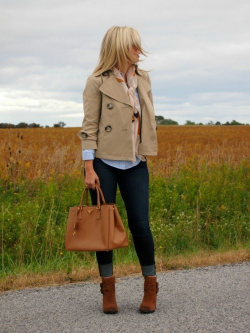 Stylish And Comfy Short Coat Looks To Rock This Fall