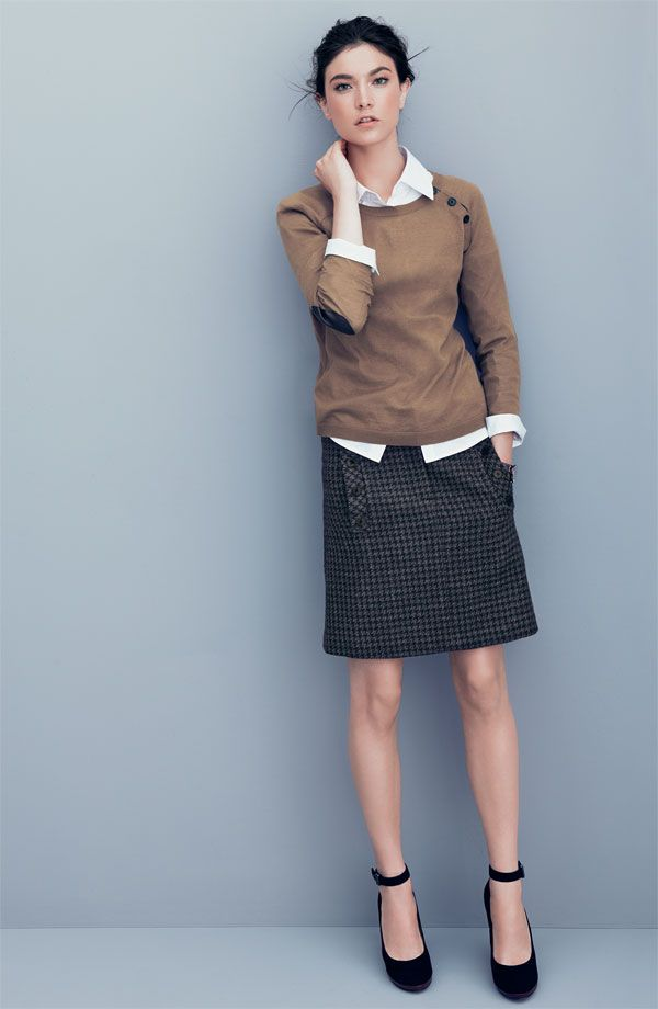 Picture Of stylish and comfy sweater work outfits for girls  11