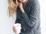 stylish-and-comfy-sweater-work-outfits-for-girls-12