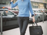 stylish-and-comfy-sweater-work-outfits-for-girls-7