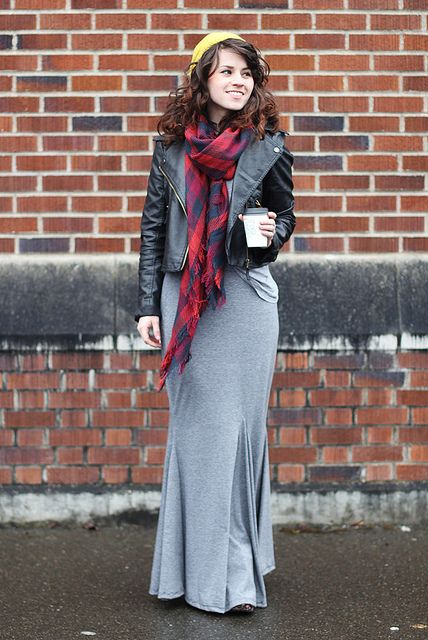 Picture Of stylish and comfy winter maxi skirt outfits  13