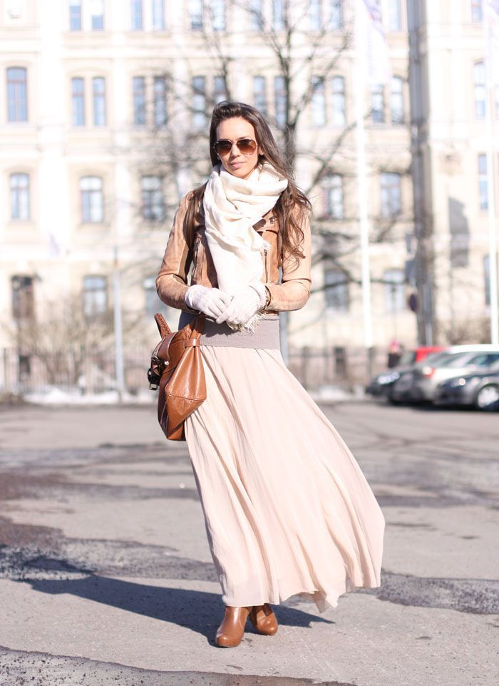 Picture Of stylish and comfy winter maxi skirt outfits  16