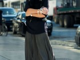 stylish-and-comfy-winter-maxi-skirt-outfits-18