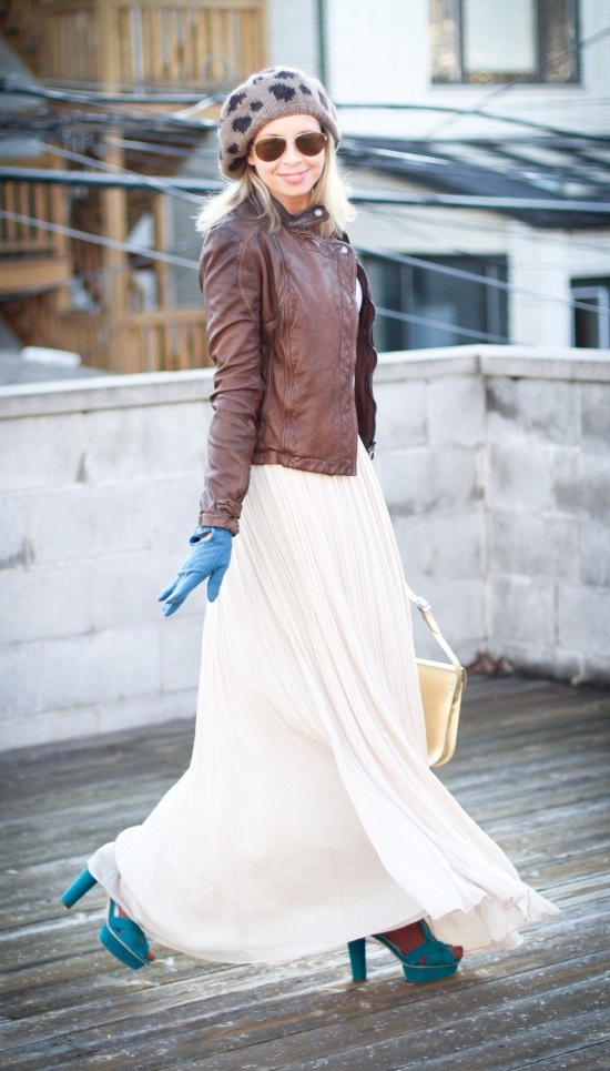 Picture Of Stylish And Comfy Winter Maxi Skirt Outfits 24