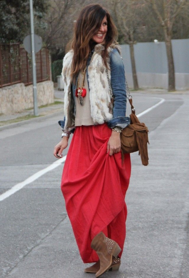 Picture Of stylish and comfy winter maxi skirt outfits  25