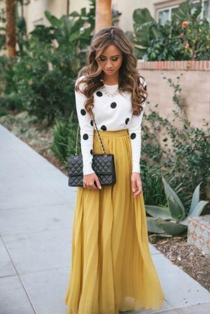 Picture Of stylish and comfy winter maxi skirt outfits  4