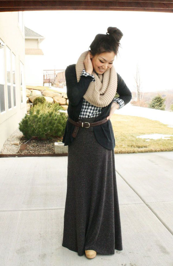 Picture Of stylish and comfy winter maxi skirt outfits  6