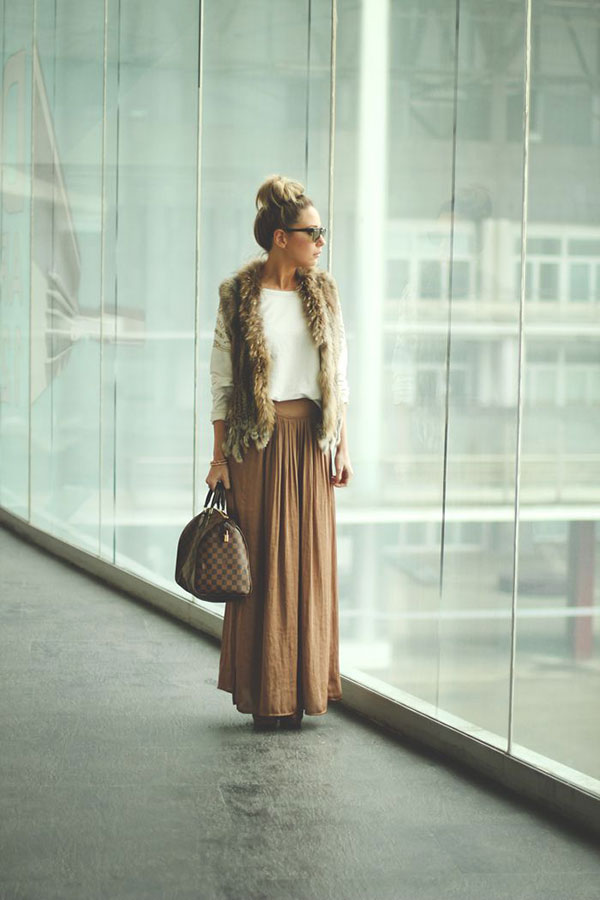 Picture Of stylish and comfy winter maxi skirt outfits  8