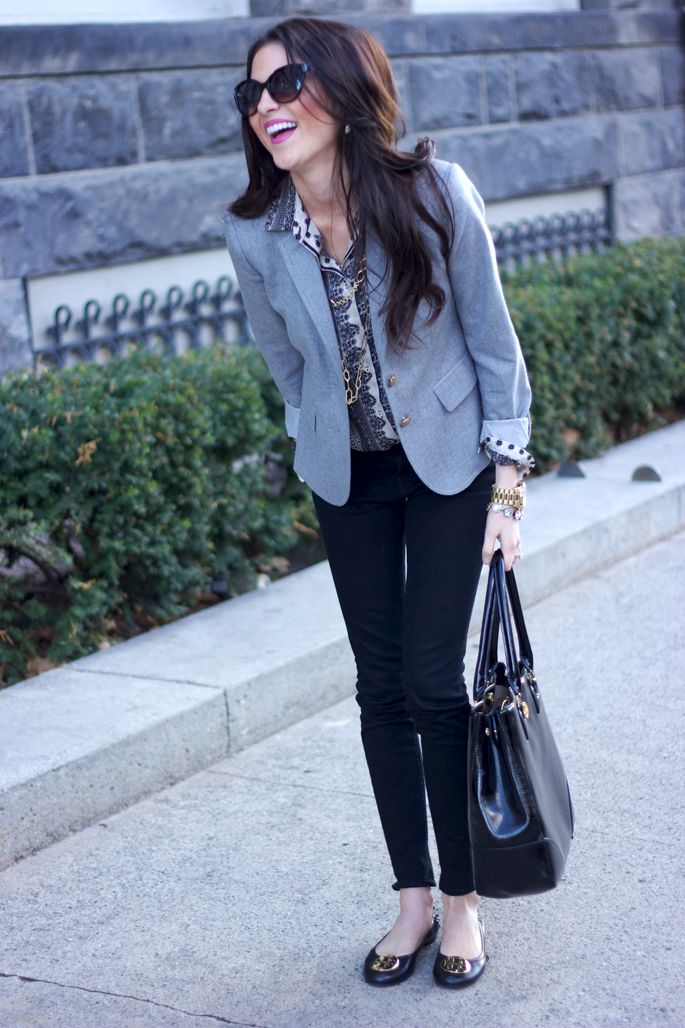 a printed button down, black skinnies, black flats, a black bag and a grey blazer