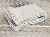stylish-and-lovely-diy-knitted-snood-4
