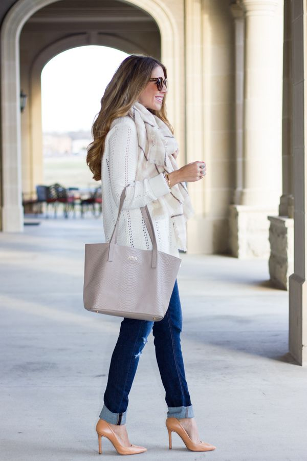 Picture Of stylish bags that are appropriate for work  18