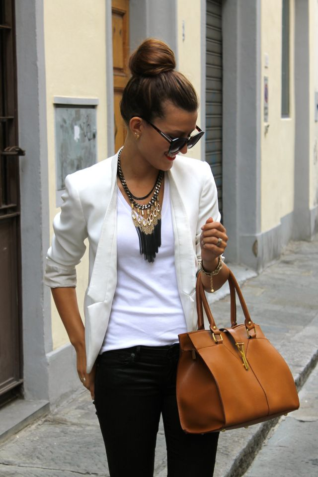 Picture Of stylish bags that are appropriate for work  2