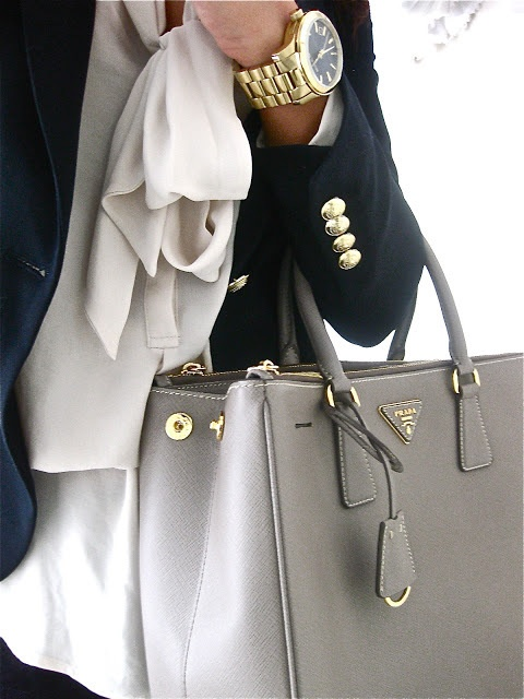 Picture Of stylish bags that are appropriate for work  20
