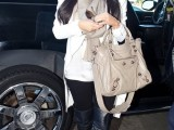 stylish-celebrities-looks-with-boots-27