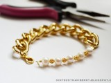 stylish-diy-chunky-pearl-bracelet-for-nights-out-2