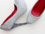 stylish-diy-fabric-covered-shoes-9