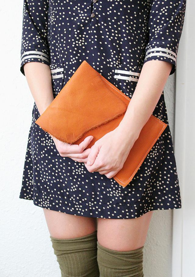 Picture Of stylish diy leather ipad case with lining  2