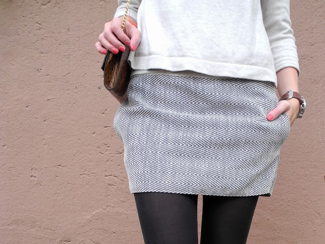 Picture Of stylish diy miniskirt with pockets  1