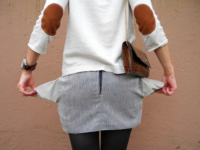 Picture Of stylish diy miniskirt with pockets  4