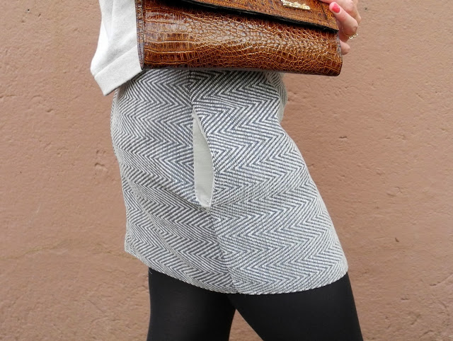 Picture Of stylish diy miniskirt with pockets  6