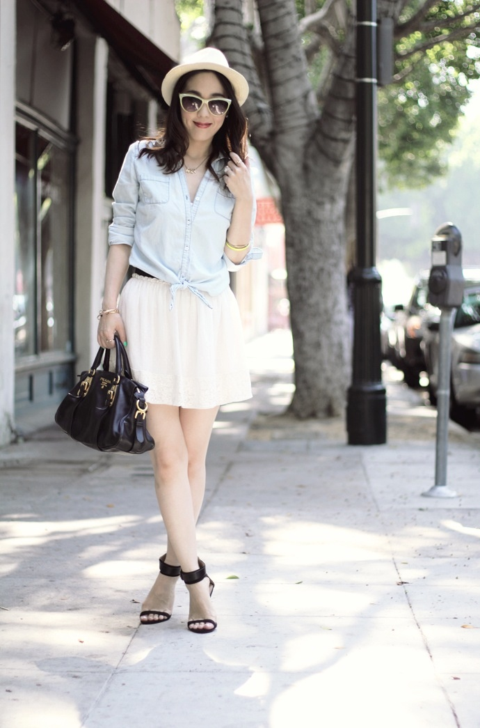 Picture Of summer weekend outfit ideas  3