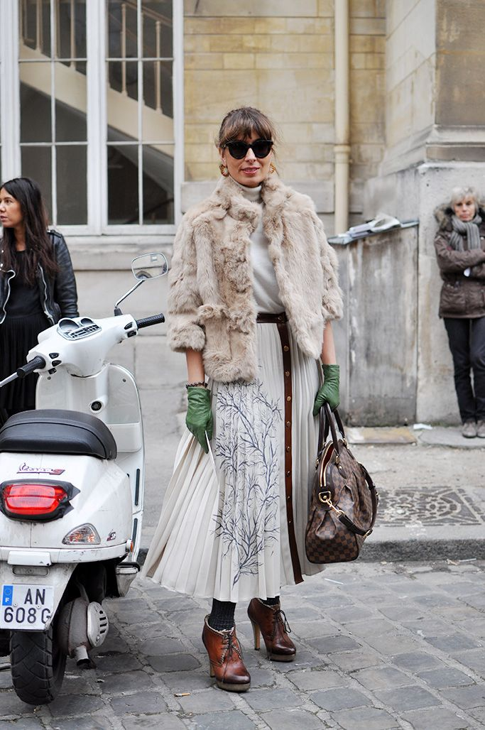 Picture Of super chic short fur coat outfits to feel warm in winter  10
