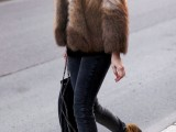 super-chic-short-fur-coat-outfits-to-feel-warm-in-winter-12